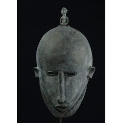 Masque africain en alliage bronzier Dogon