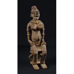 Bronze africain femme Dogon assise