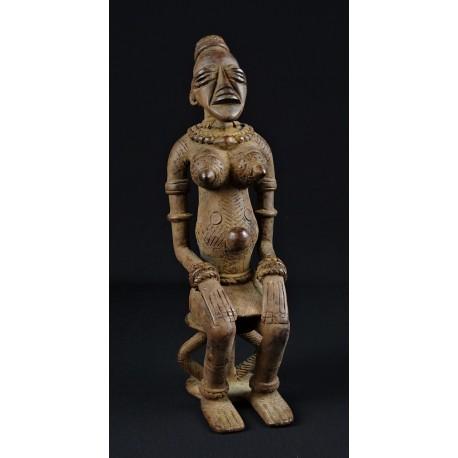 Bronze femme Dogon assise