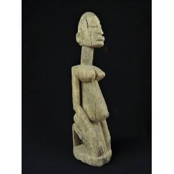 Statue africaine Dogon femme agenouillée