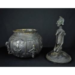 Art africain Pot a onguents en bronze